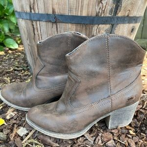 Rocket dog brown leather booties